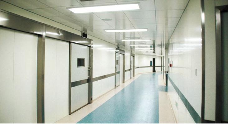 железная дверь в больнице